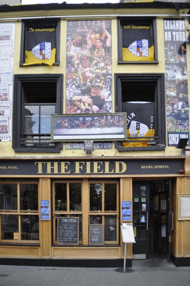 Irland:   Ein Land spielt  ( sport ) verrückt ! (1/2)